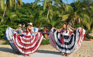 Folkloric dancers, Playa Manzanillo Oaxaca