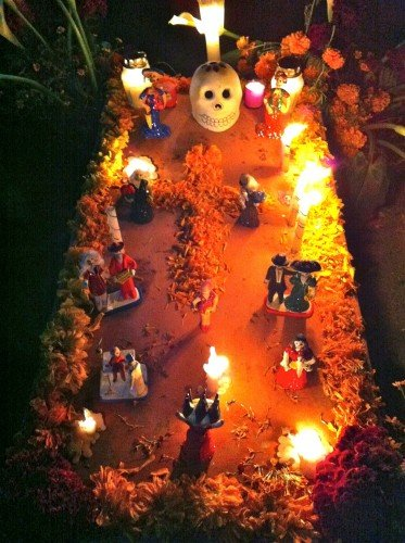 Decorated Day of the Dead altar in the Panteon Antiguo (Old Cemetery) of Santa Cruz Xoxocotlán