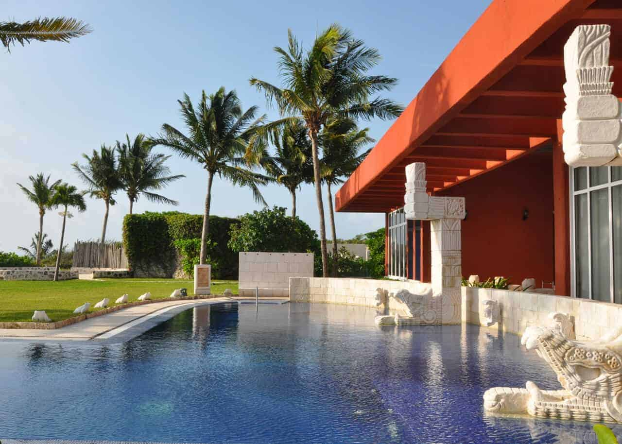 Thalasso pool at Zoetry de la Bonita Puerto Morelos