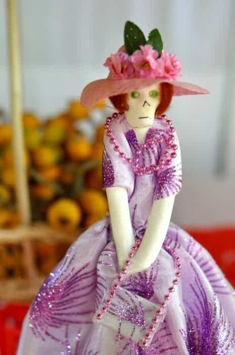 Pretty Catarina figurine in Patzcuaro