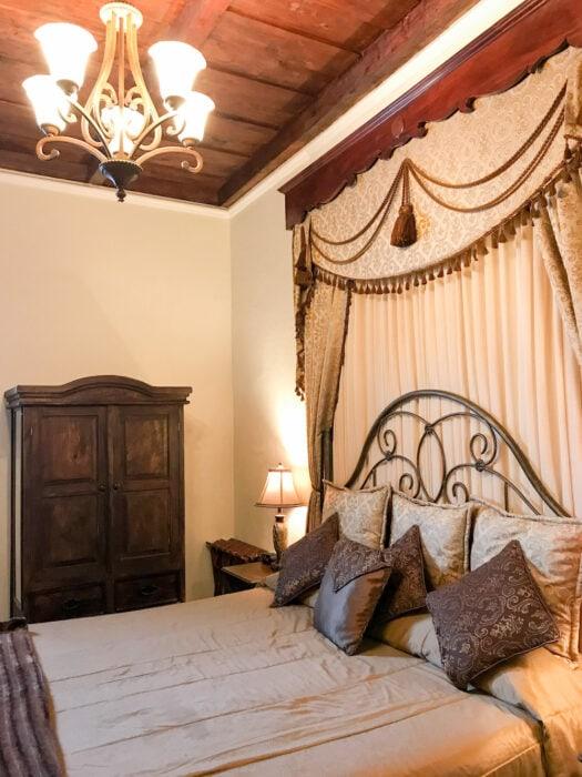 Guest room at budget boutique Hotel La Catedral Antigua Guatemala