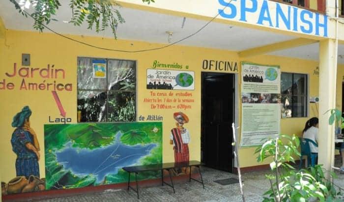 Jardin de America language school