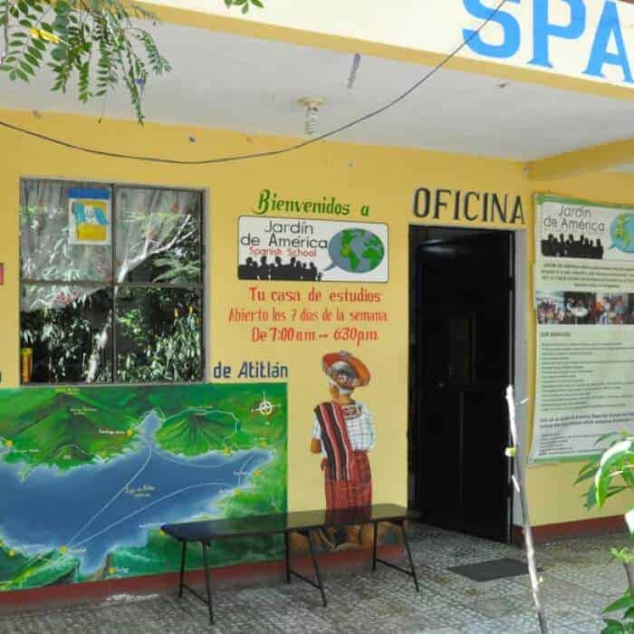 Jardin de America language school