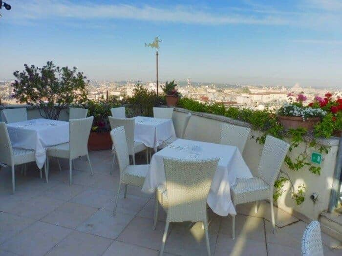 Outdoor patio at Bettoja Mediterraneo Hotel Rome