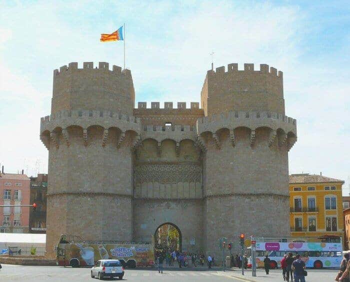 The Torres de Serranos, a restored 14th century city gate located at Serranos Bridge, is an excellent vantage point for watching the festival's evening fireworks display