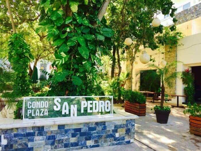 Puerto Cocina Urbana, one of the best restaurants in Playa del Carmen is located in Plaza San Pedro