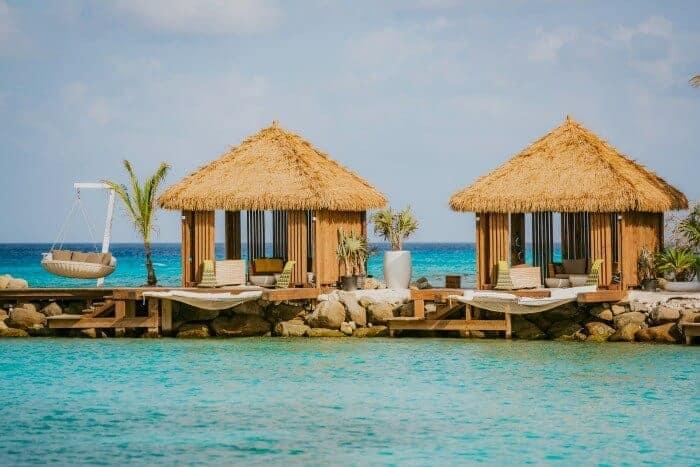 Private cabanas at Renaissance Aruba Private Island overlooking Flamingo Beach. (Credit: Renaissance Aruba)