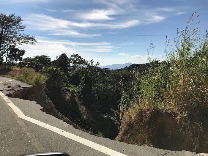Earthquake damage to highway to Pluma Hidalgo