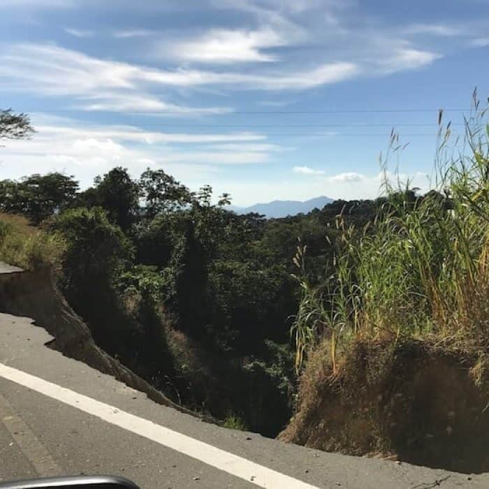 Earthquake damage to highway to Pluma Hidalgo