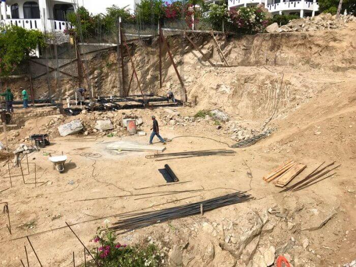 Construction at La Escondida