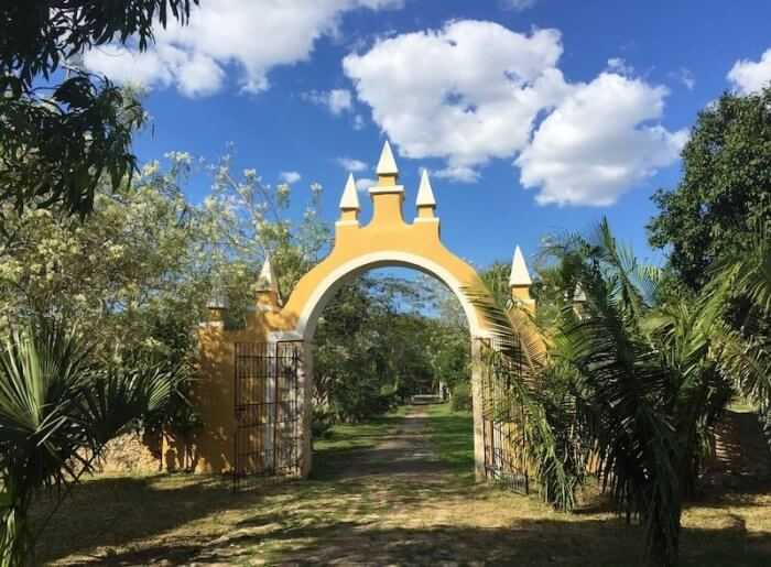 Arch at entrance to Casa D'Aristi at Hacienda Vista Alegre, once a working hacienda