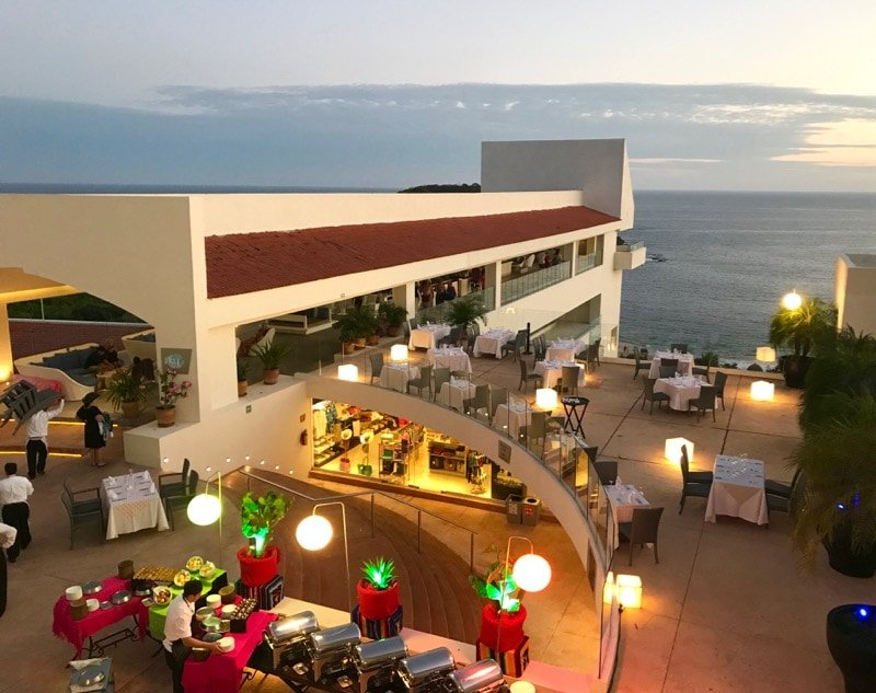 Sky Bar and outdoor dining at Secrets Huatulco