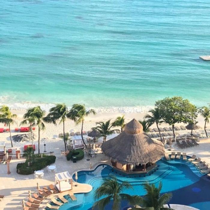 Beach without sargassum seaweed at the Grand Fiesta Americana Coral Beach Cancun