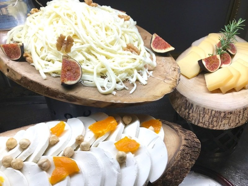 Traditional Turkish cheeses