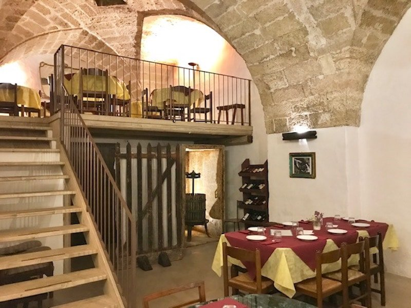 Atmospheric Vinha Trattoria in Matino