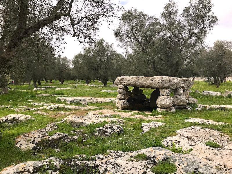 Dolmen di Scuzi near Minervino di Lecce