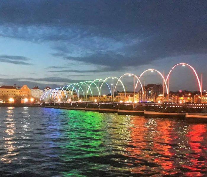 Queen Emma Bridge Credit PundaLovesYou.Com