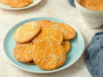 Mexican sesame seed cookie