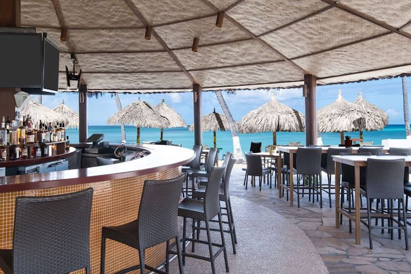 Oceanside Bar & Grill Credit Holiday Inn Aruba Resort
