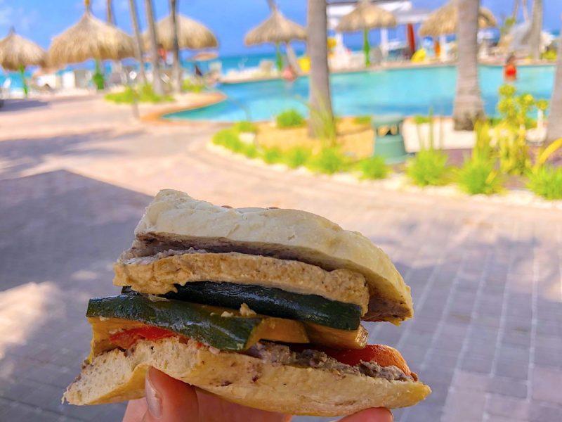 Vegan chick'n sandwich at Puro Holiday Inn Aruba Credit JPC
