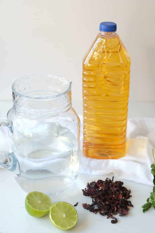 Ingredients for fresco de rosa de jamaica.