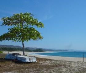 Day trip to untouched Mexico: Roca Blanca beach, Oaxaca